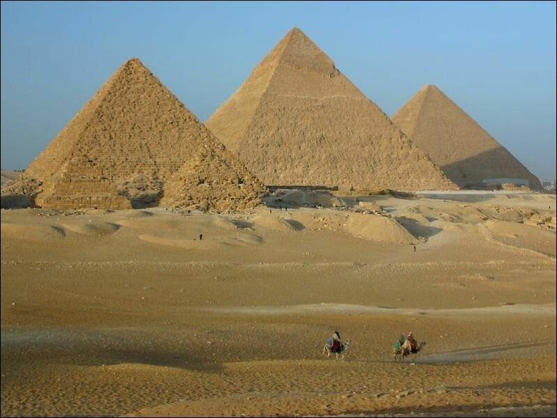 Пост для тех, кто думает, что пирамиды стоят посреди пустыни