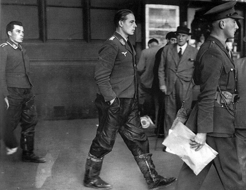 Экипаж. Лондон, 1940 год