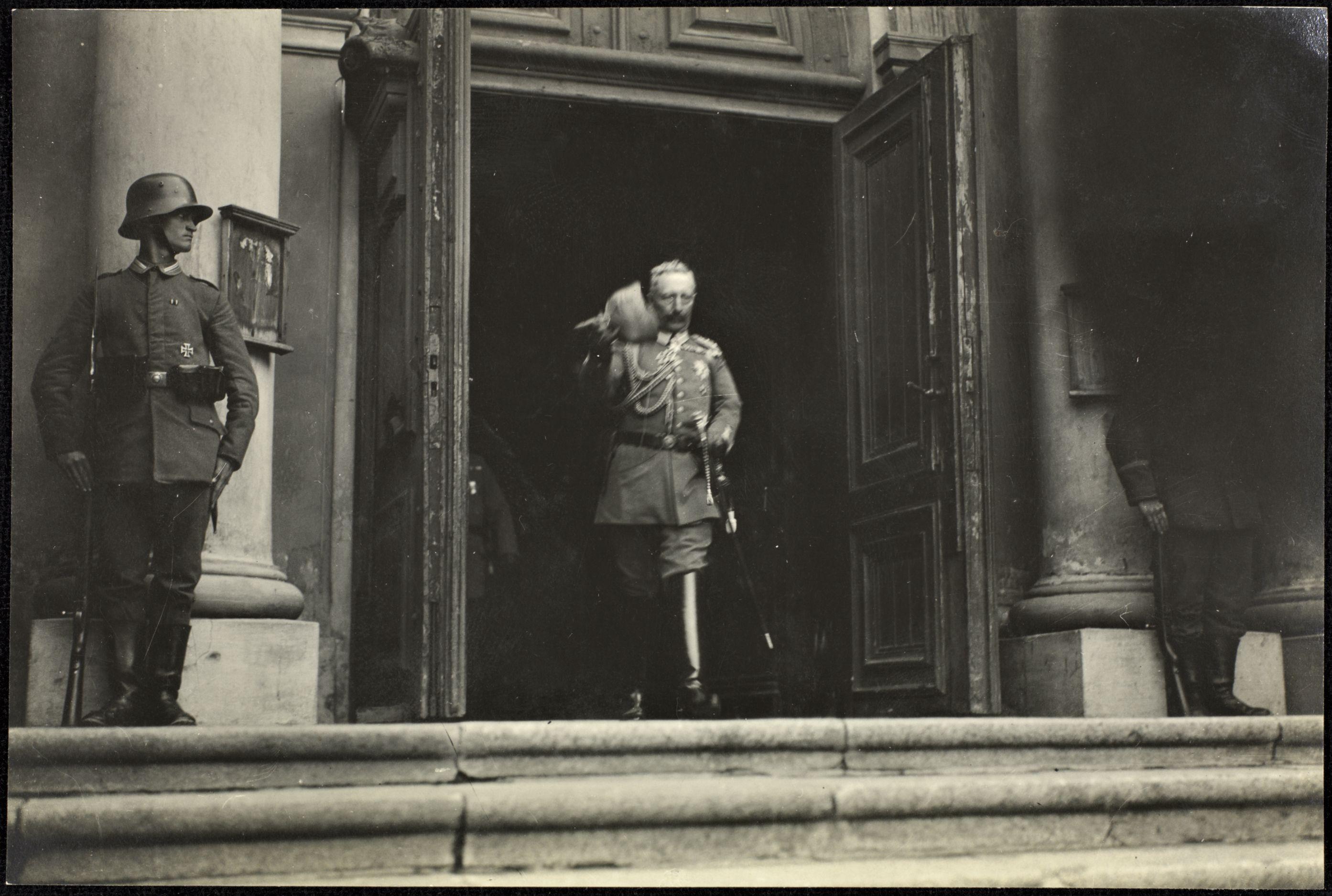 photo du Kaiser à Vilnius (Lituanie) 0_fbdb5_d1ccd535_orig