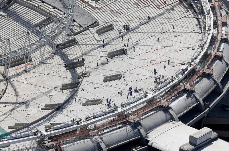 Стадион Маракана готовится к чемпионату мира 0 d9b7a eec3fba1 XL чемпионаты футбол фотографии стадионы Рио де Жанейро реконструкции Маракана Бразилия