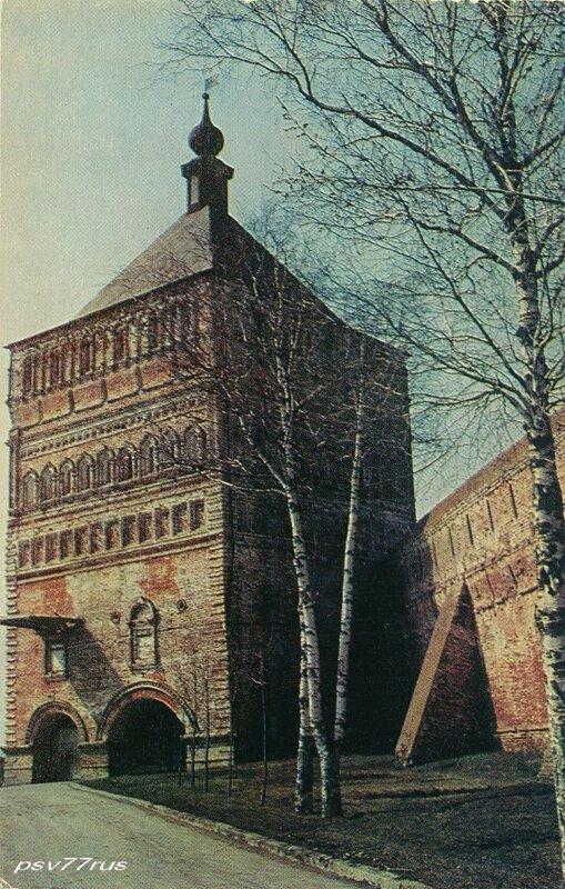 Суздаль.  Проездная башня Спасо-Евфимиева монастыря. XVII век.