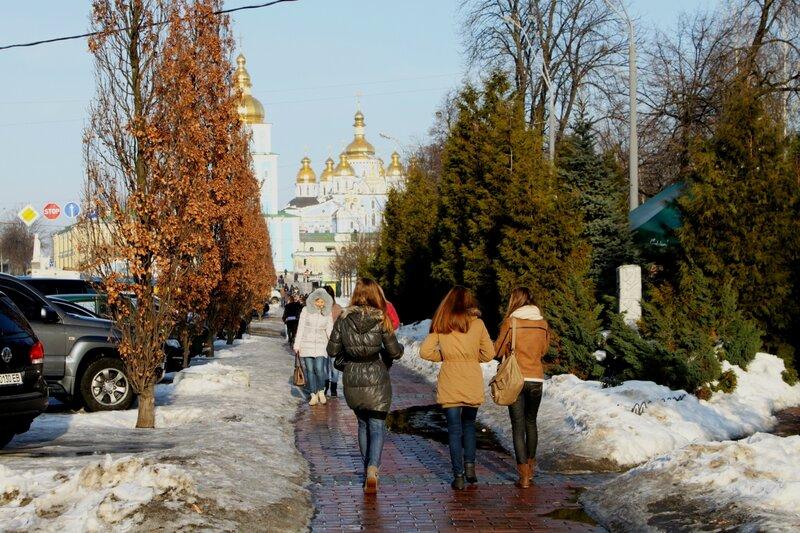 Пешеходная дорожка во Владимирском проезде
