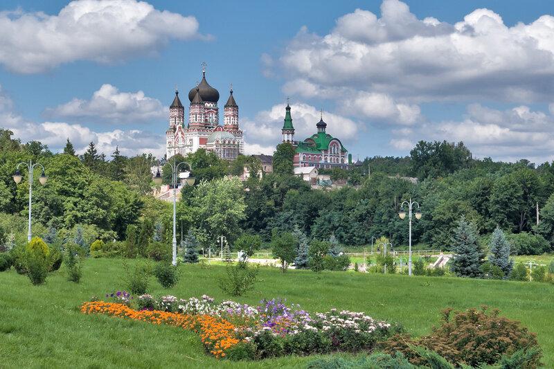 Парки в монастырях
