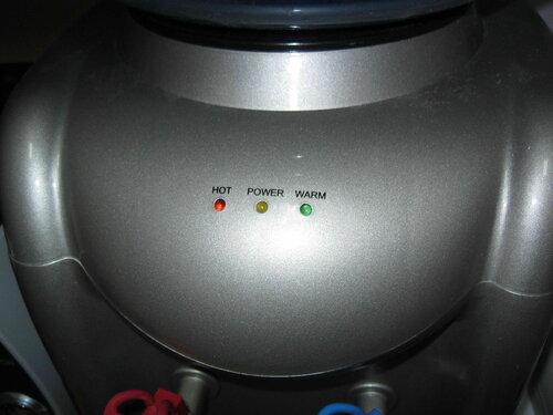 Фото 15. Во время диагностики неисправности кулер демонстрировал наличие «плавающего» дефекта. После отключения кулера срабатывания устройства защитного отключения (УЗО) полностью прекратились.
