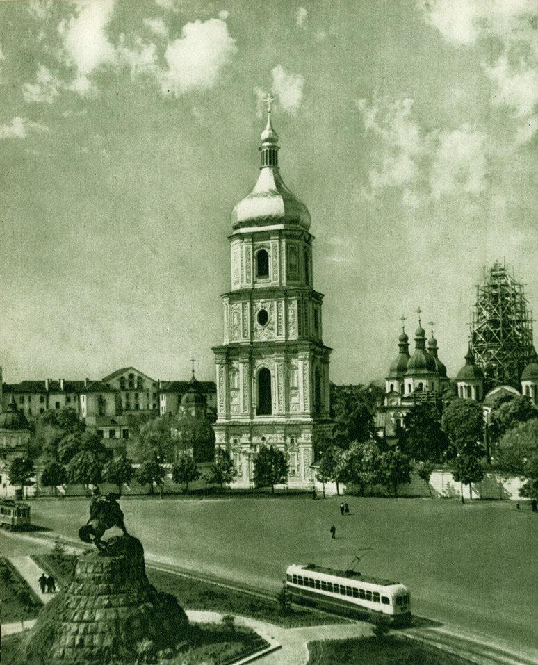 Площа Богдана Хмельницького