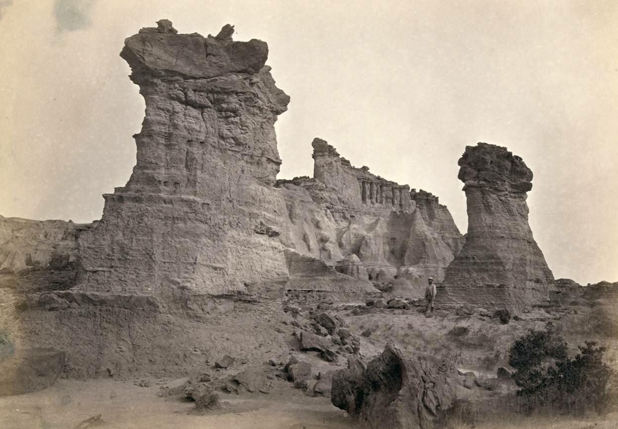 Скальные образования в Washakie Badlands, Вайоминг, в 1872 году.