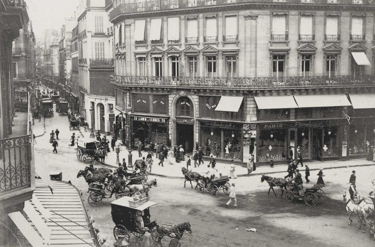Уличное движение в Париже