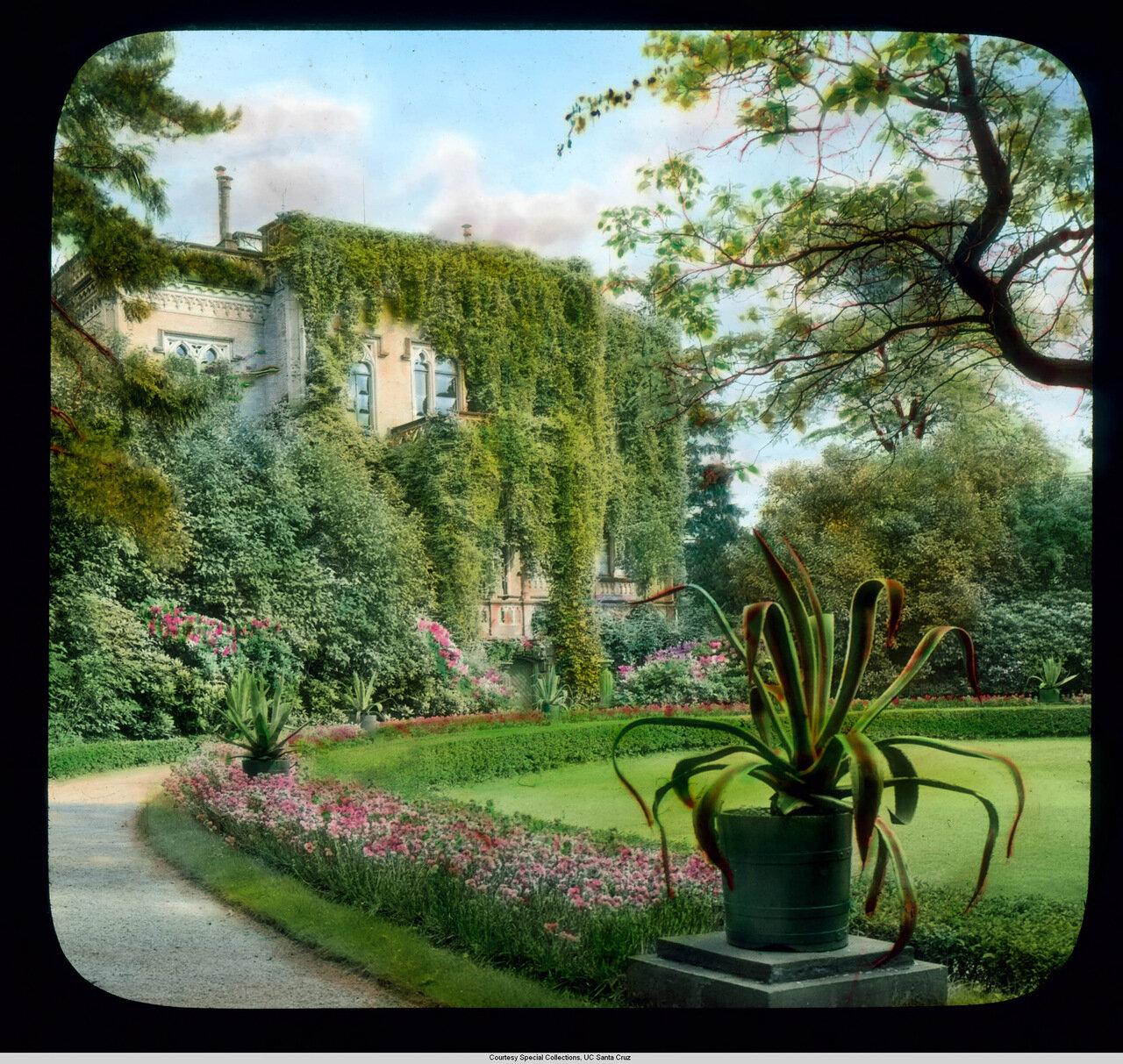 Фрайбург-в-Брайсгау. Городской парк с Колумбишлоссле (вилла 19 века)
