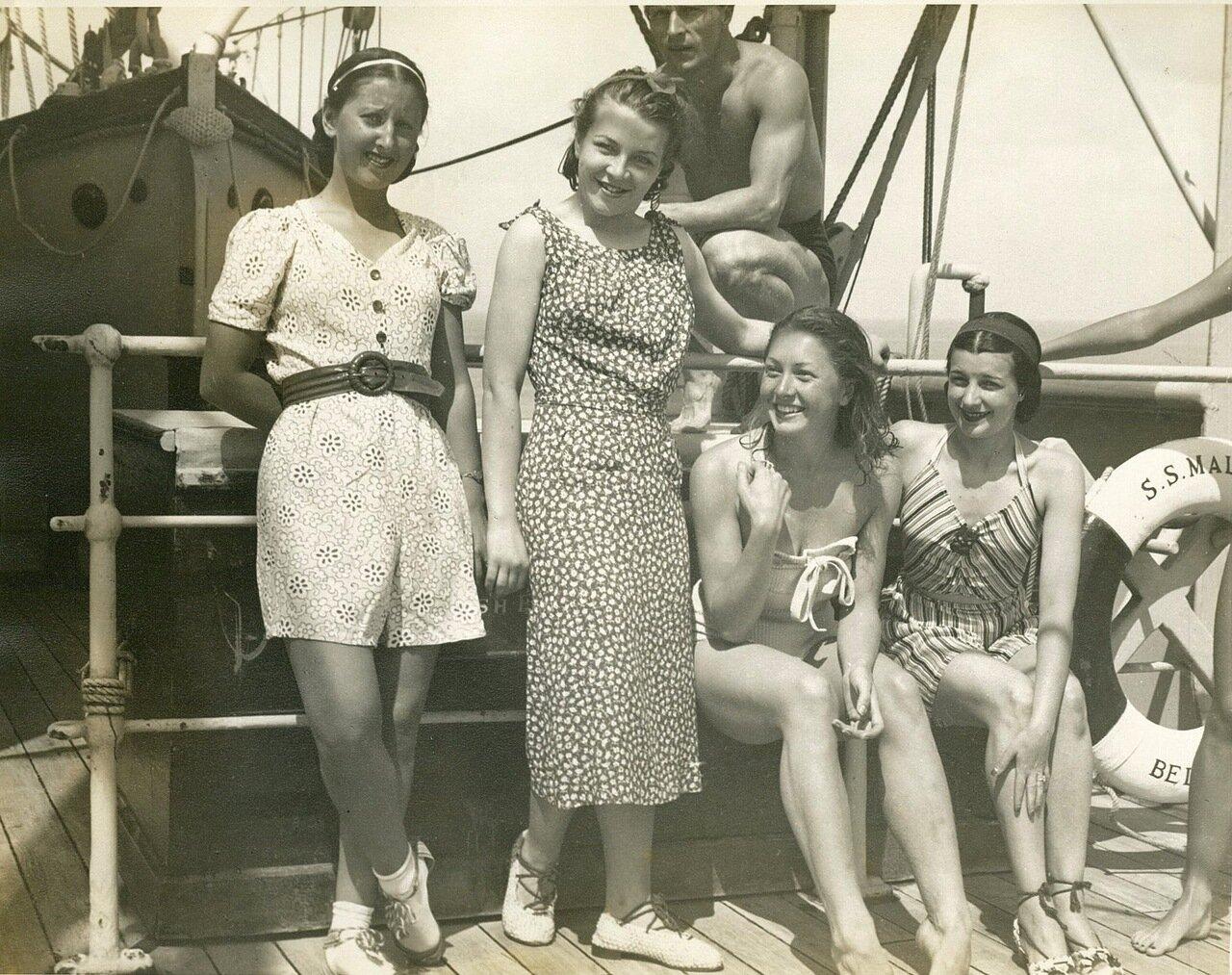Русские балерины «Ковент-Гардена» на «SS Maloja» во время австралийского тура, сентябрь 1938