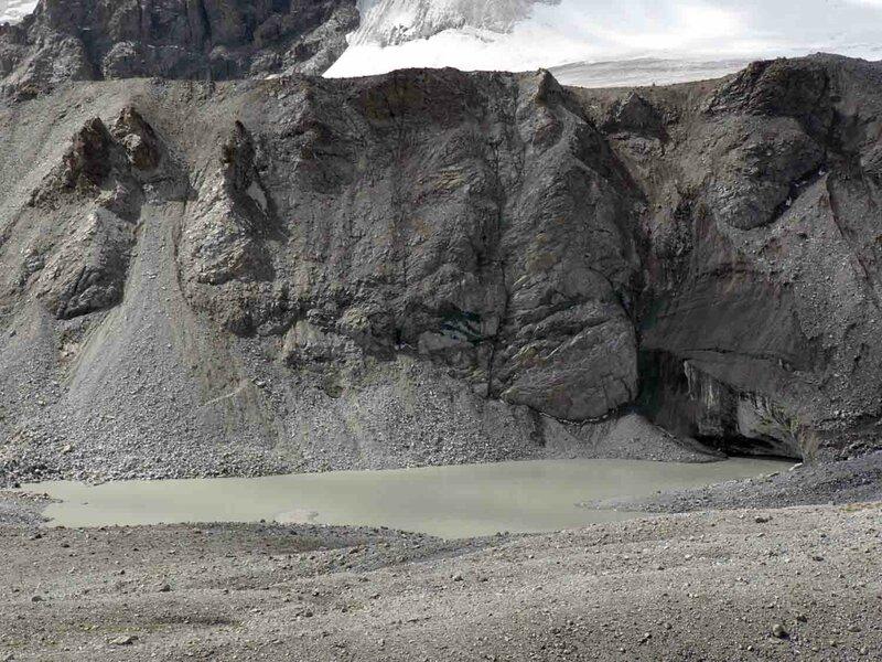 Мельников Сергей, Ледниковые озёра выглядят без явных признаков жизни