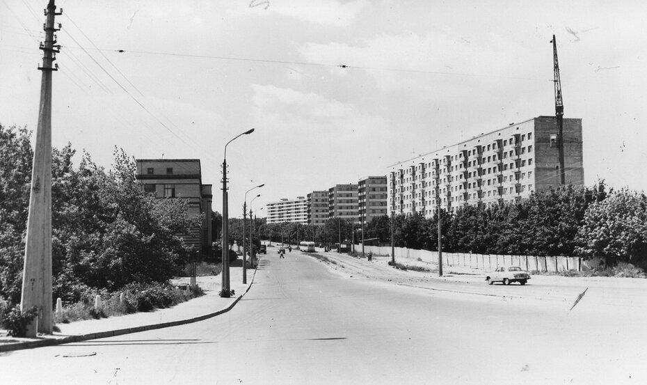 1970. 07. Улица Пархоменко (теперь улица Дегтяревская). Фото: Примаченко А.