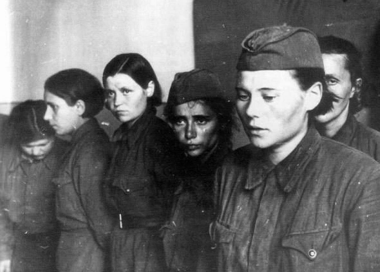 Summer of 1941. Soviet female POW's. Nevel ,Pskov region. July 26, 1941 1Пленные