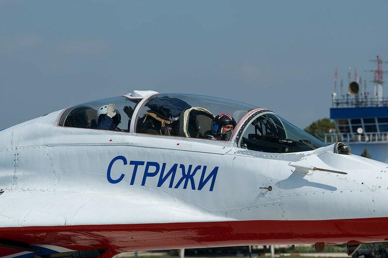 Микоян-Гуревич МиГ-29УБ (07 синий) D807729