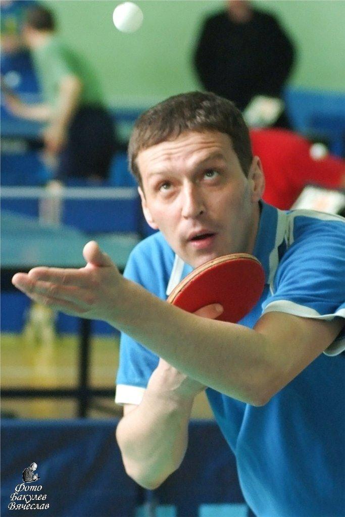 Чемпион Ижевска 2013 года по настольному теннису среди мужчин Альберт Колодских