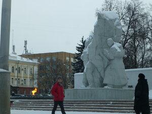 рязанские, монумент единства фронта и тыла