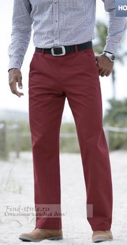 Малиново-коричневые брюки для мужчин, которые не бояться привлекать к себе внимание