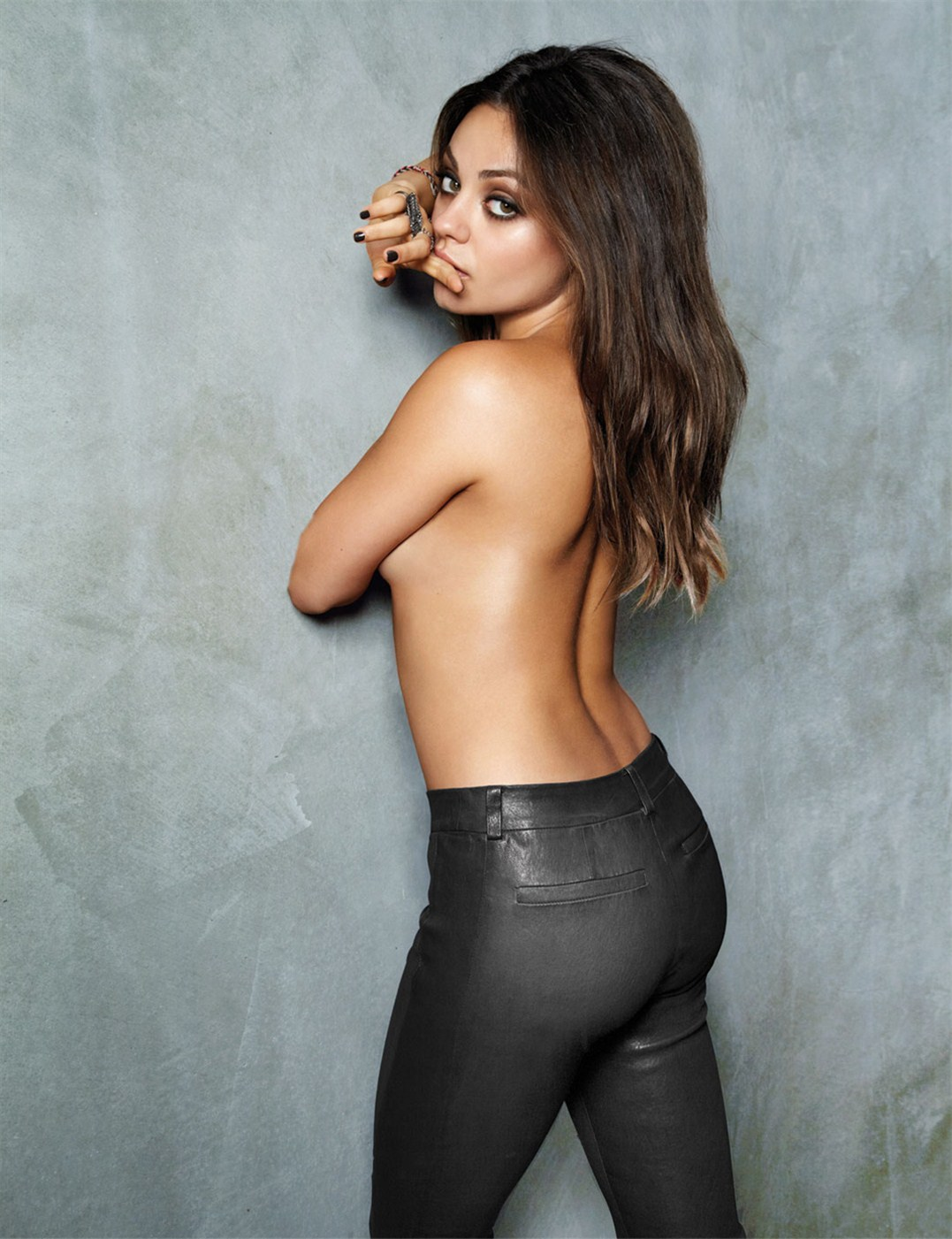 Mila Kunis / Мила Кунис - самая сексуальная в мире в 2012-ом по версии Esquire / фотограф Cliff Watts