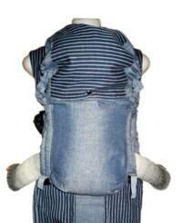 Глубокая посадка ребенка в эргономичном рюкзаке