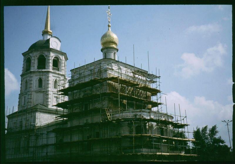 118. Реставрируемая церковь.