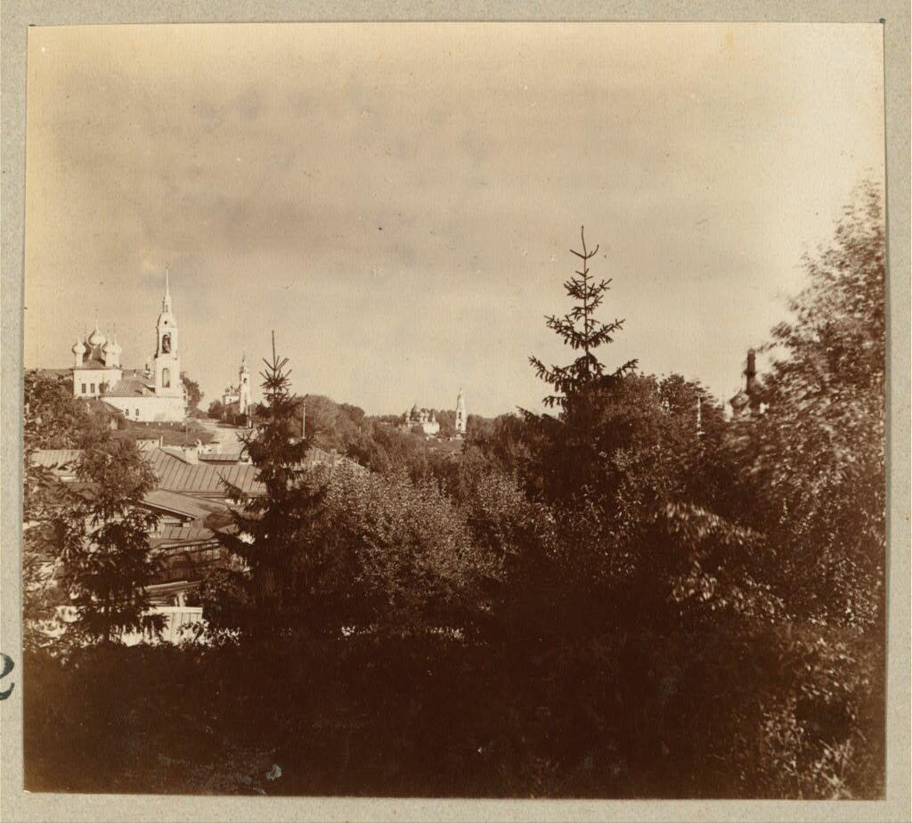 Вид из городского сада на г. Кострому. 1910.