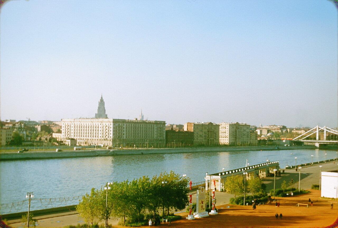 Набережная парка имени Горького