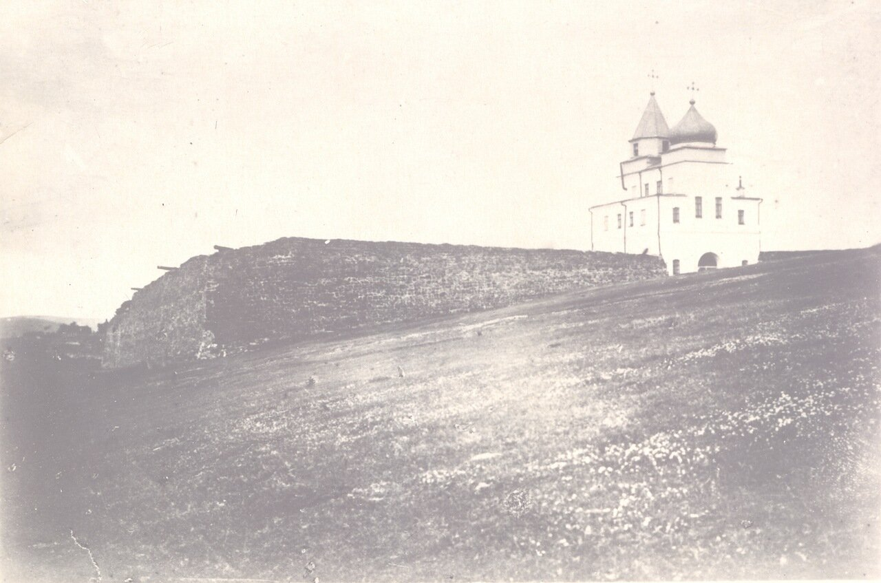 Вид на Барнаульские ворота