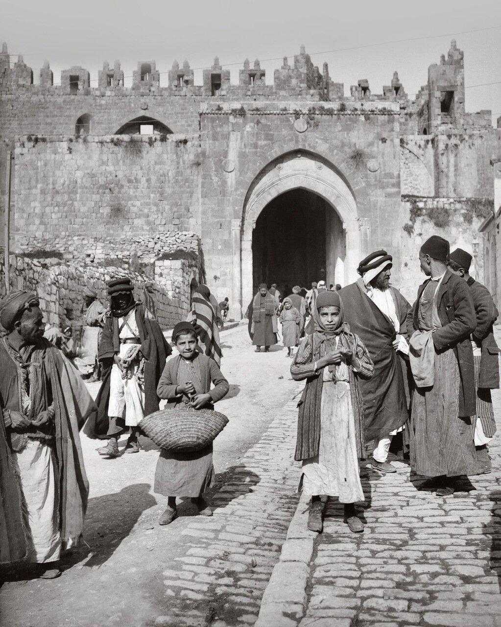 Дамасские ворота с юга. Иерусалим. 1900-1920