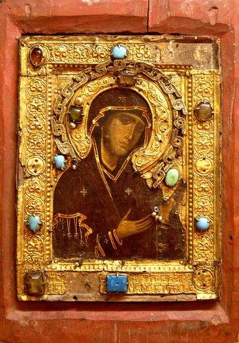 Пресвятая Богородица. Старинная грузинская икона.