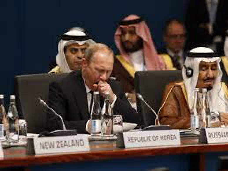 Россия пытается обмануть ОПЕК накануне переговоров, - западные СМИ