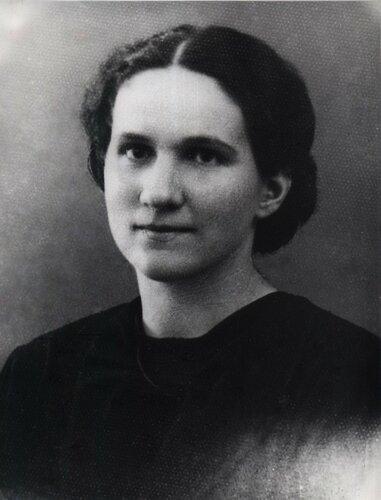 Спатару Надежда Христофоровна - Лицей Реджина Мария (1930).jpg