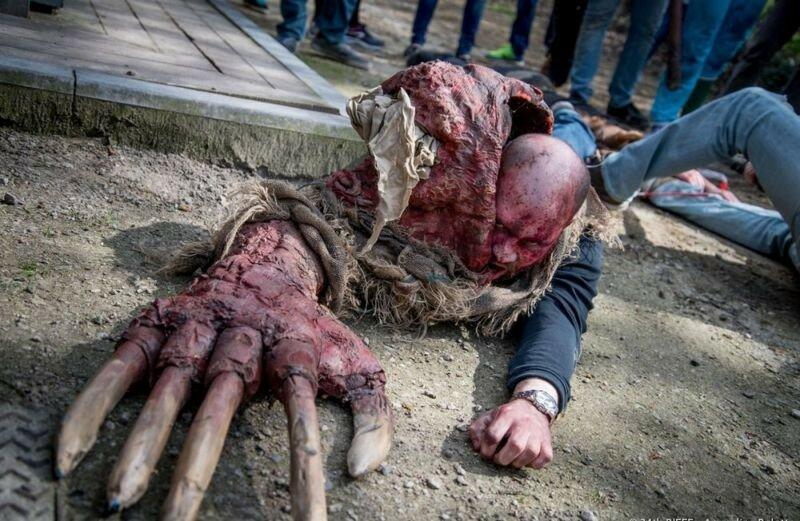 Окровавленные зомби в Брюсселе на фестивале фантастики 0 16079a 1c2d0141 XL