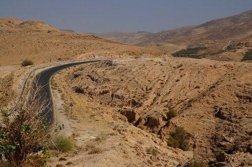 Дорога к Мертвому морю