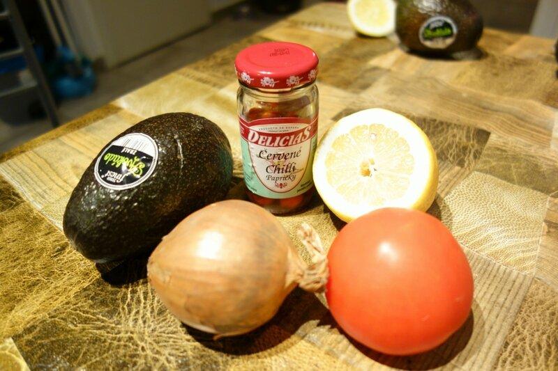 Кухня: Чипсы с гуакамоле
