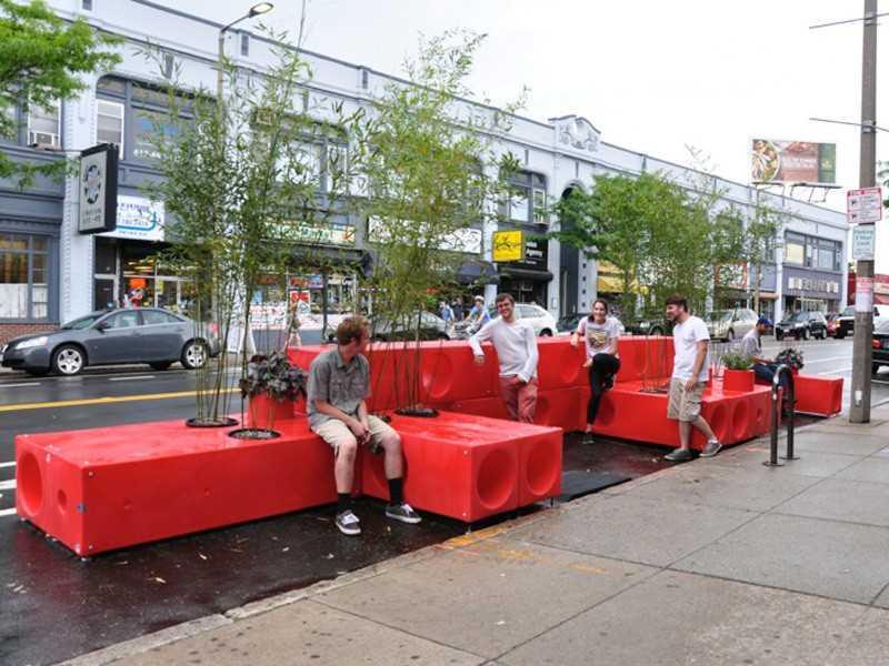 9. Этот парклет в Бостоне спроектирован INTERBORO.