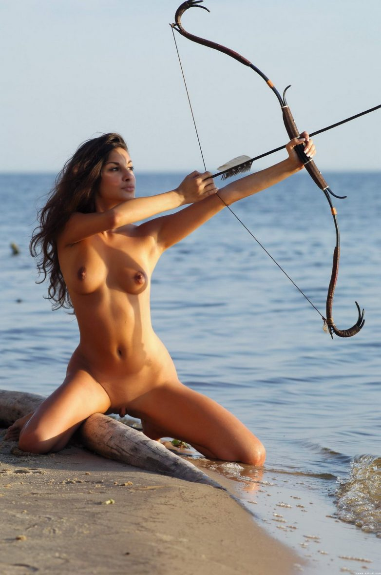 Female archers naked pron scene