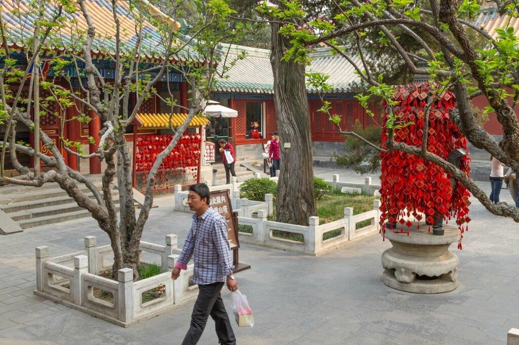 Двор храма Пуань
