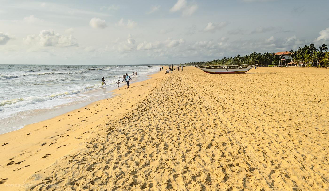 Фото 12. Пляж Negombo (Негомбо) на Шри-Ланке. Отзывы туристов об отдыхе в мае. Снято на камеру Nikon D5100 KIT 18-55 VR.