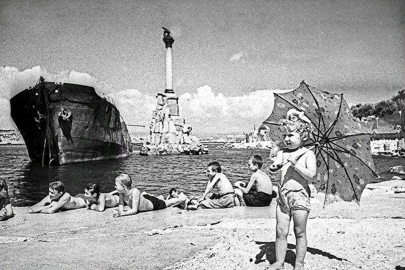 Фотография Е. Халдея(1917 - 1997)Фотохудожник Победы (30).jpg