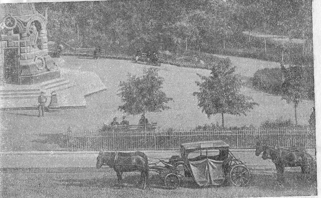 108454 Линейка на бирже у Ильинских ворот 1890-е.jpg