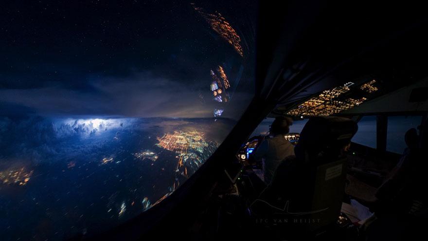 Пилот-фотограф Кристиан ван Хейст.