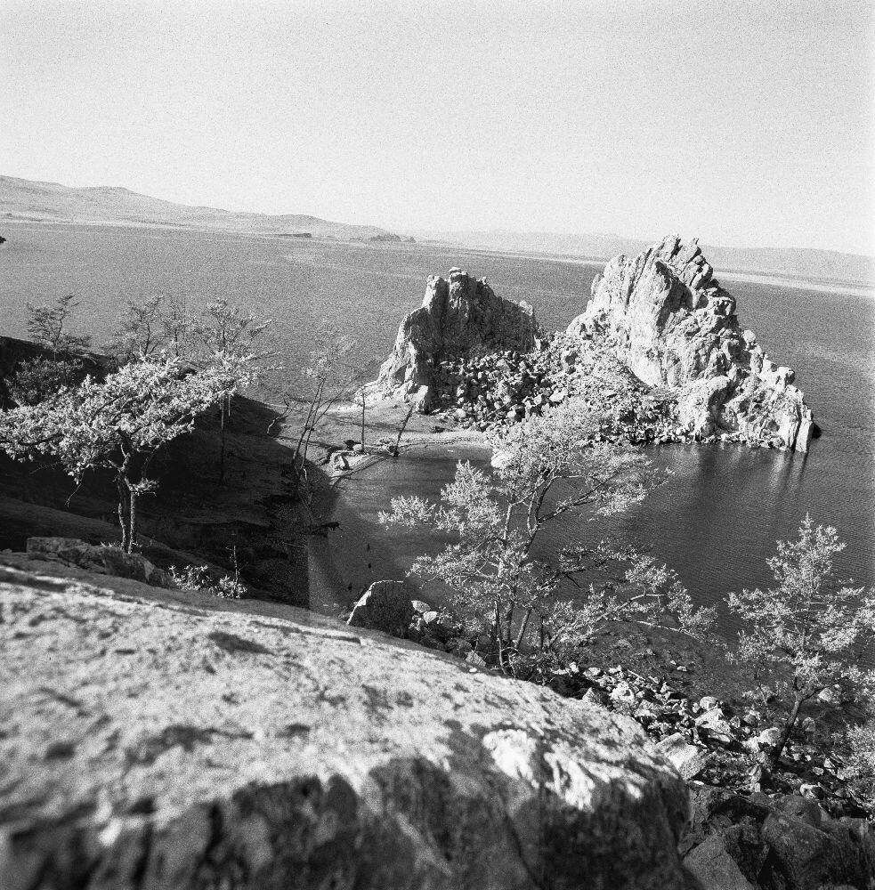 Шаман-камень на Байкале