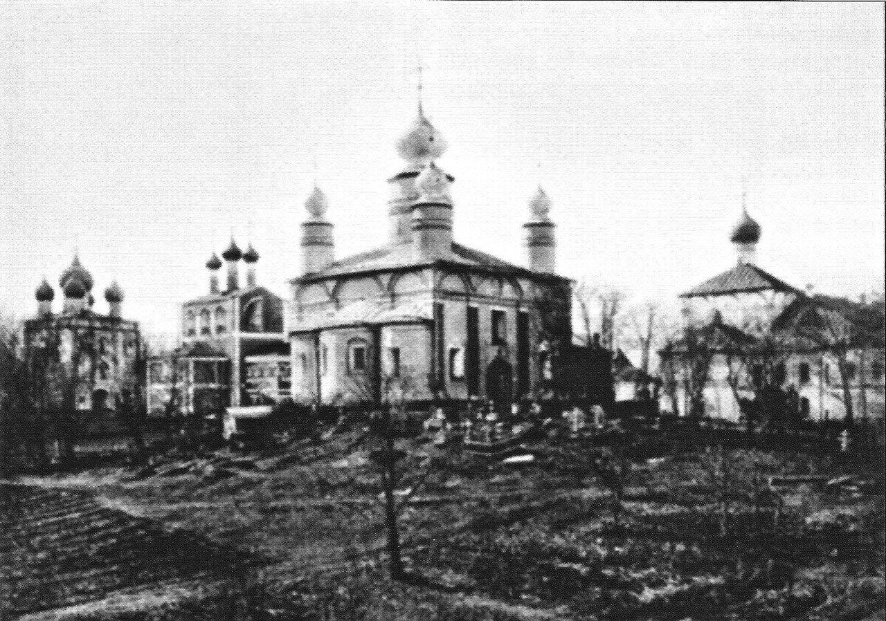 Борисо-Глебский собор. Некрополь