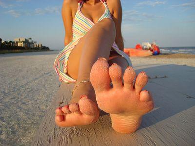 женские ножки грязные