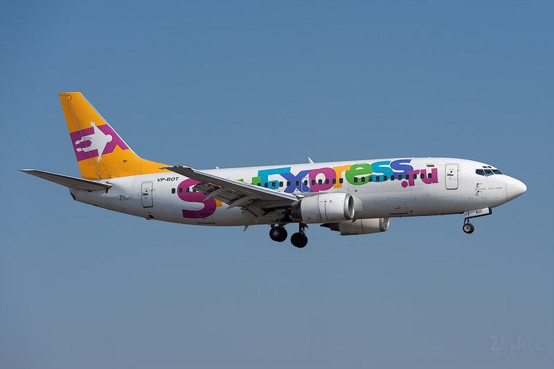 Boeing 737-341 (VP-BOT) Sky Express DSC_9504