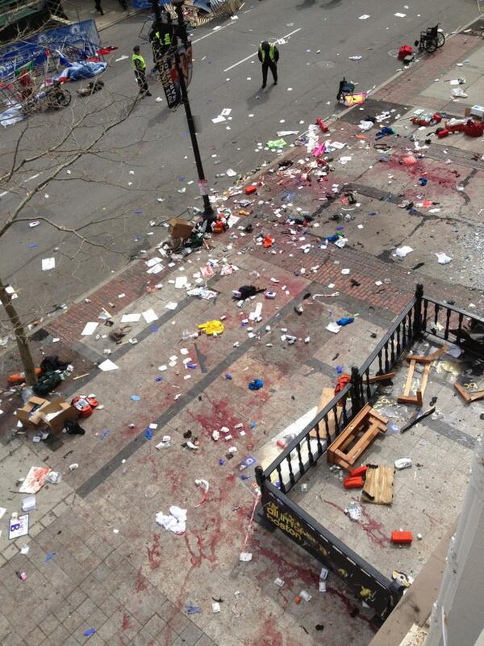 911 bodies hit ground - HD768×1024
