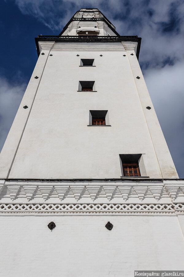 Невьянская наклонная башня.