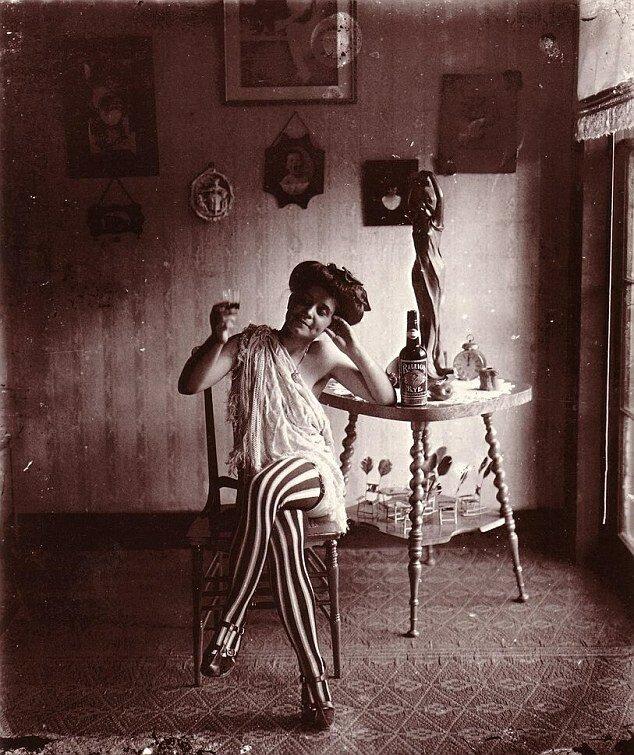 Как жили проститутки 100 лет назад