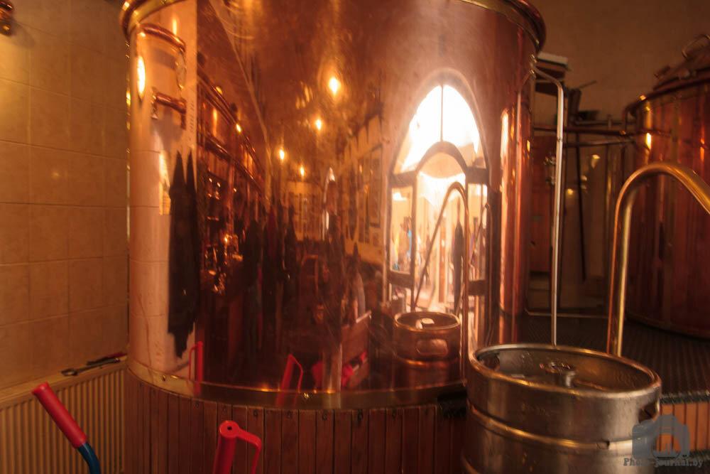 Бочонки в которых варят пиво в пивоварне Страгов
