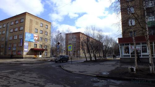 Фотография Инты №4322  Перекрёсток улиц Горького и Чернова (Горького 9 (гостиница