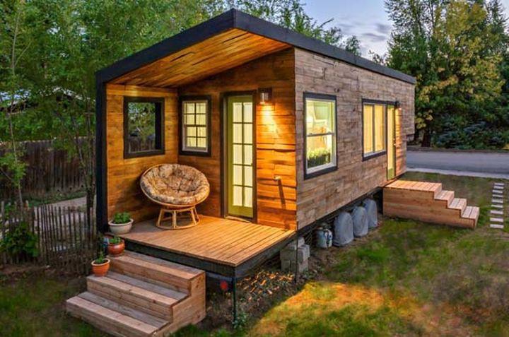 Маки Миллер построил его, чтобы избежать ипотеки и стресса всего за 11 000 долларов. Дом в пещере (М